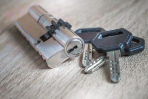 un cylindre et des clés sur le Plessis Robinson